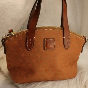Authentic small Dooney & Bourke purse handbag